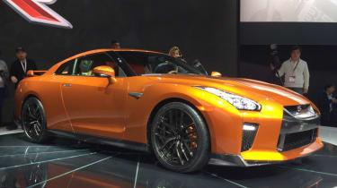 日产GT-R 2017:更新的超级跑车在纽约揭幕