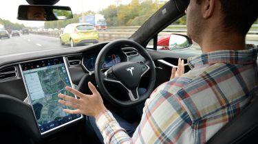 特斯拉雇用了退伍军人苹果开发商以领先自动驾驶自动驾驶技术团队