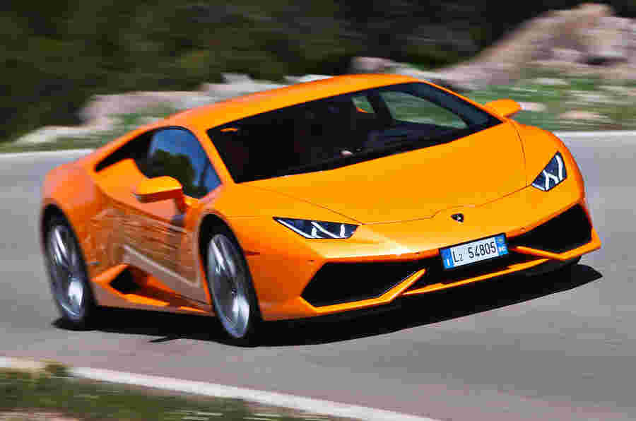 Lamborghini击中销售记录,并招募新员工进行Urus生产