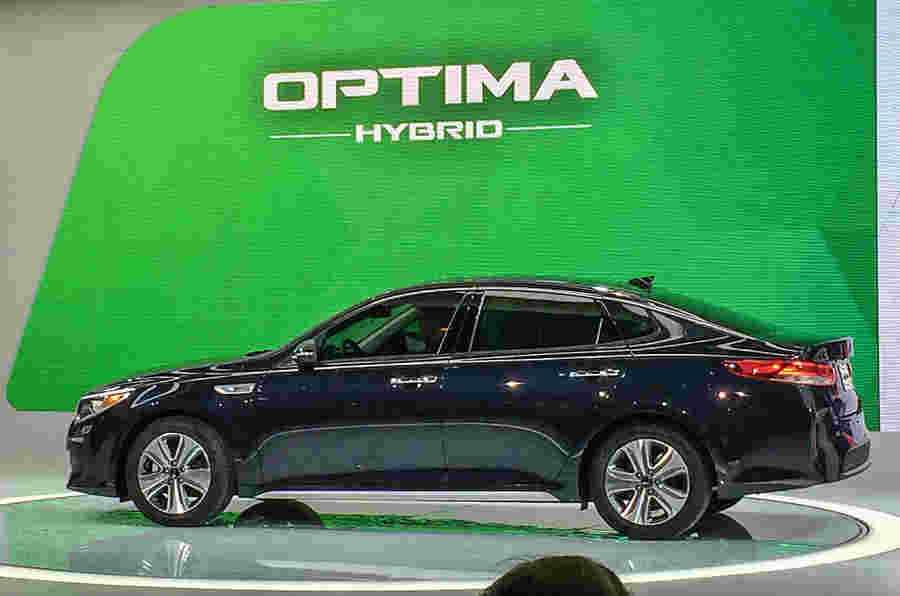 Kia距离新的Optima插件混合动力车有二氧化碳排放量为37克/公里